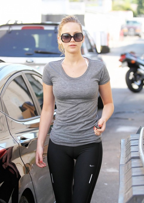 Jennifer Lawrence In Yogabiking Pants Xpost Rpics Jennifer Lawrence