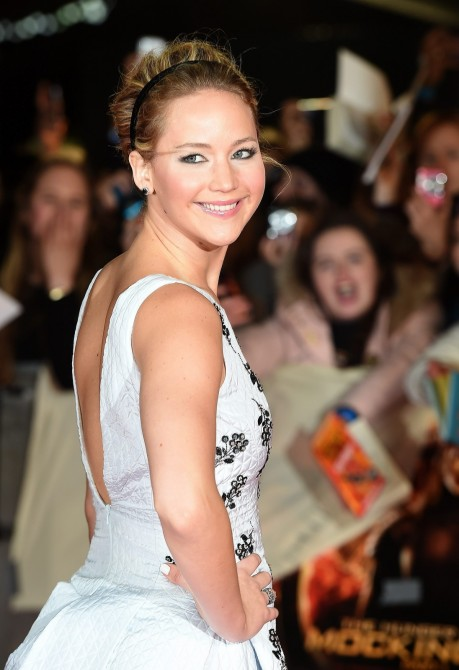 Jennifer Lawrences Mockingjay Part Premiere Christian Dior Spring Embellished Dress