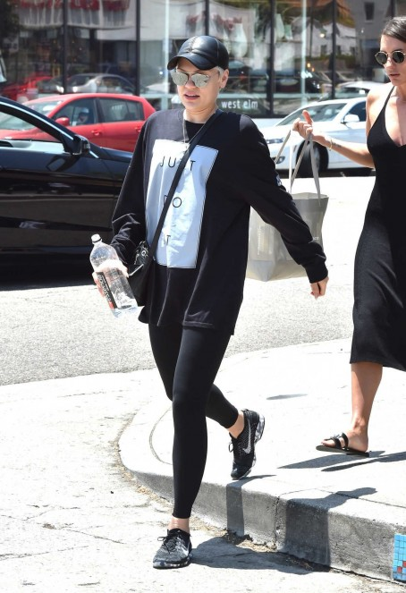 Jessie J Was Seen Out In West Hollywood Jessie J