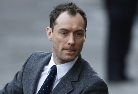 Jude Law Play Villain Guy Ritchies King Arthur Film Jude Law