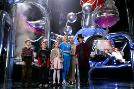 Picture Of Johnny Depp James Fox Adam Godley Freddie Highmore David Kelly Missi Pyle Julia Winter And Jordan Fry In Charlie And The Chocolate Factory Large Picture