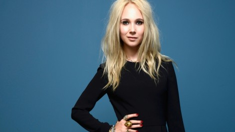 Juno Temple Hd Wallpapers Blue Background Juno Temple