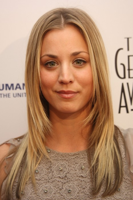 Kaleycuoco Rd Annual Genesis Awards Vettrinet