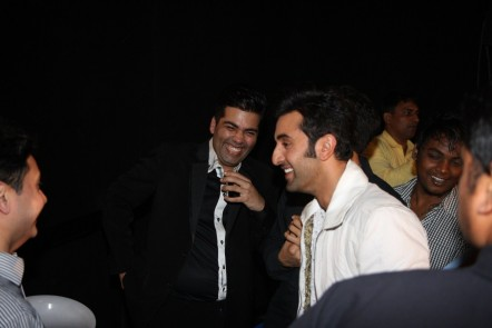 Es Hqw Lz Ygeld Ranbir Kapoor With Karan Johar At Film Yeh Jawaani Hai Deewani First Look Launch In Mumbai