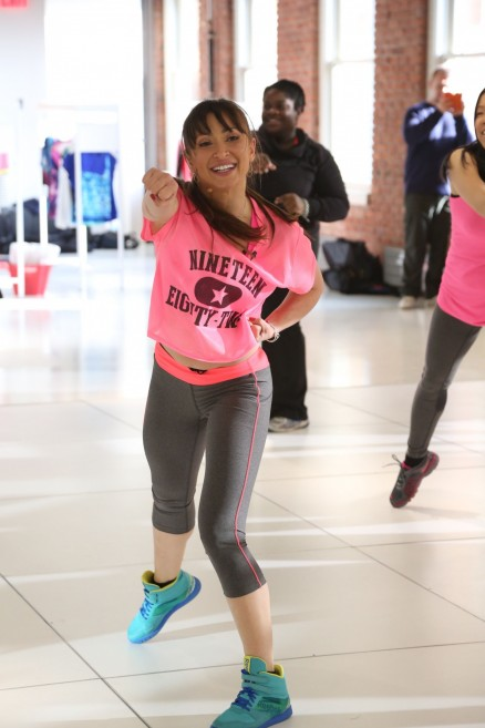 Karina Smirnoff Wearing Citystreet And Xersion Activewear While Teaching Danceclass At Jcpenneys New Year New You Fitness Event Karina Smirnoff