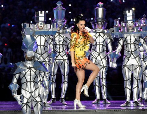 Gty Katy Perry Chess Dancers Super Bowl Jc