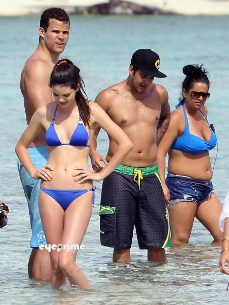 Kendall And Kylie Jenner In Bikini During Holidays In Bora Bora Kendall Jenner Tv