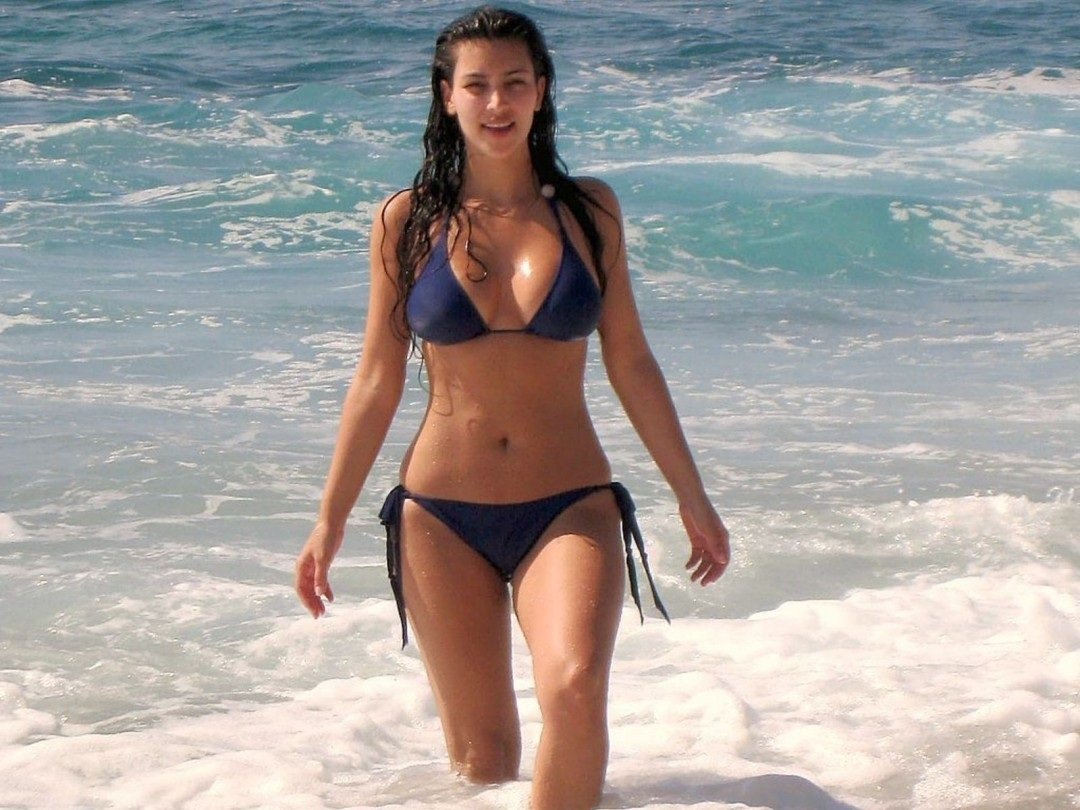 Kim Kardashian Bikini On The Beach Hd Beach