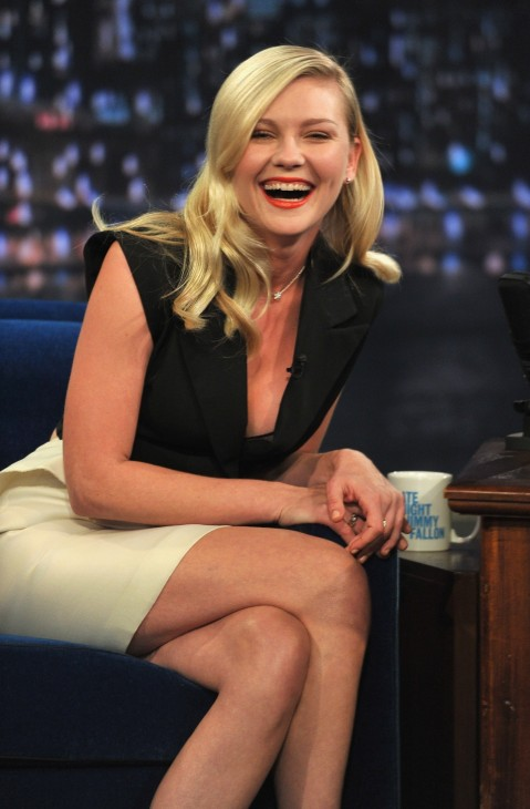Late Night With Jimmy Fallon Kirsten Dunst Hot