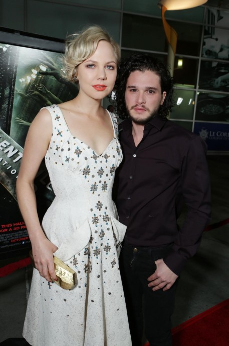 Adelaide Clemens And Kit Harington In Silent Hill Revelation Large Picture