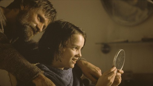 Still Of Viggo Mortensen And Kodi Smit Mcphee In The Road Large Picture