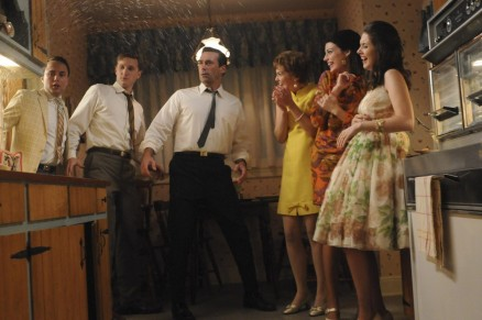 Picture Of Vincent Kartheiser Larisa Oleynik Alison Brie And Aaron Staton In Mad Men Large Picture