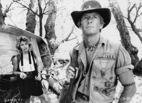 Picture Of Paul Hogan And Linda Kozlowski In Crocodile Dundee Large Picture