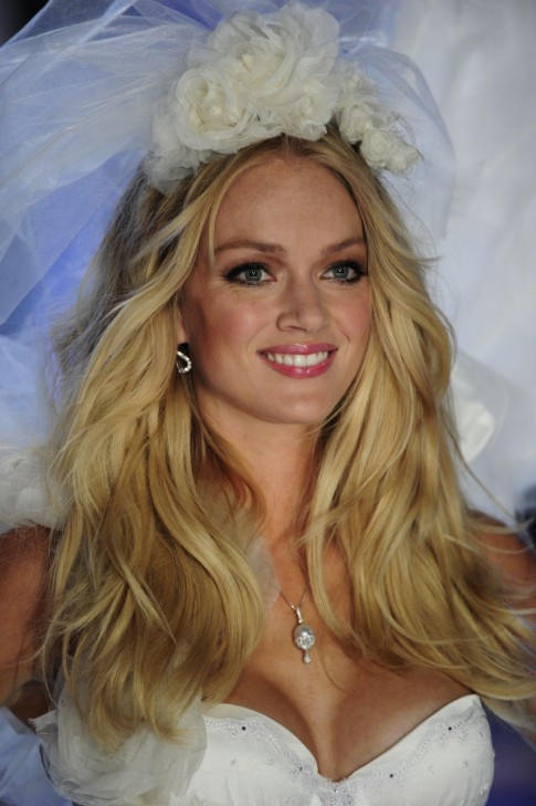 Lindsay Ellingson Photo Gallery