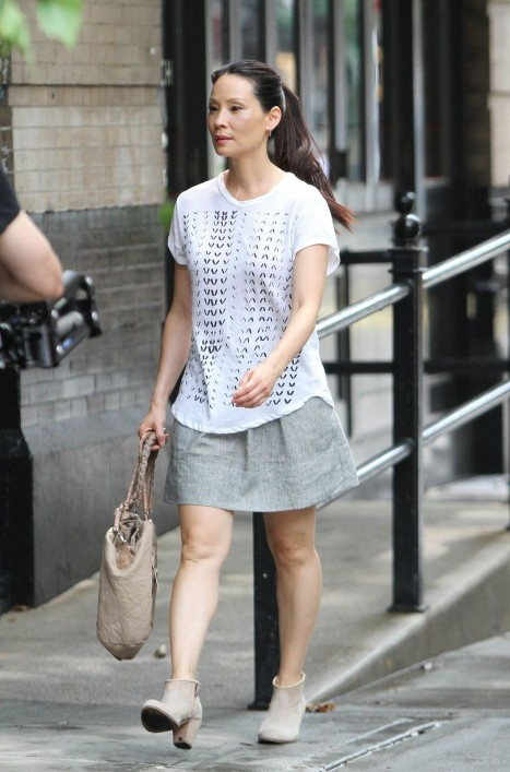 Lucy Liu Casual Style Out In New York City July Lucy Liu