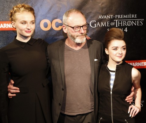 Conventions et autres sorties - Page 2 Tumblr-tgtm-cso-and-sophie-turner-96465742