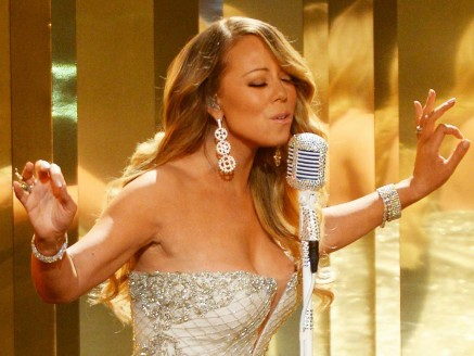 Had To Buy Plane Ticket To Get Mariah Careys New Album And Its All The Record Labels Fault
