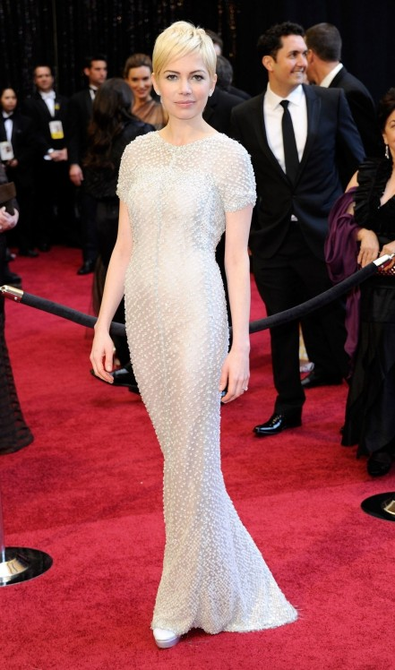 Fashion Michelle Williams Chanel Haute Couture Gown Oscars Main Michelle Williams