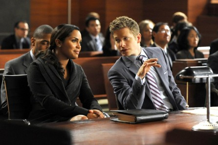 Picture Of Matt Czuchry And Monica Raymund In The Good Wife Large Picture