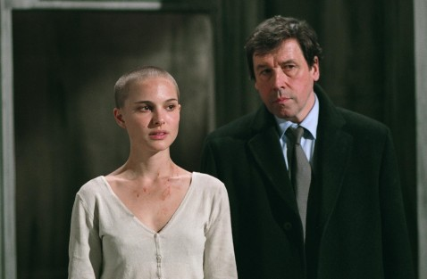 Still Of Natalie Portman And Stephen Rea In De La Vendetta For Vendetta