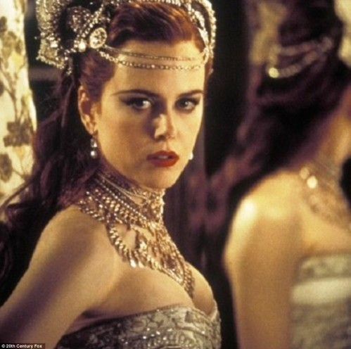 Nicole Kidman Moulin Rouge Diamonds Are Girls Best Friend Wallpaper Nicole Kidman