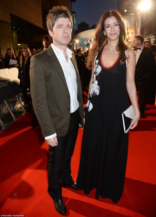Ae Sara Macdonald Pictured Here With Noel Gallagher Wore Baggy Dr Noel Gallagher