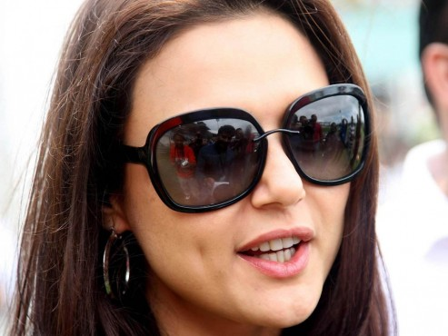 Non Bailable Warrant Issued Against Preity Zinta