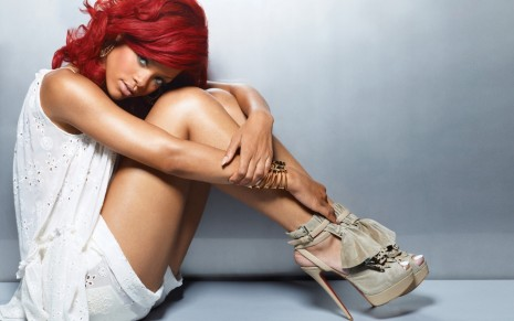 Rihanna Widescreen Background
