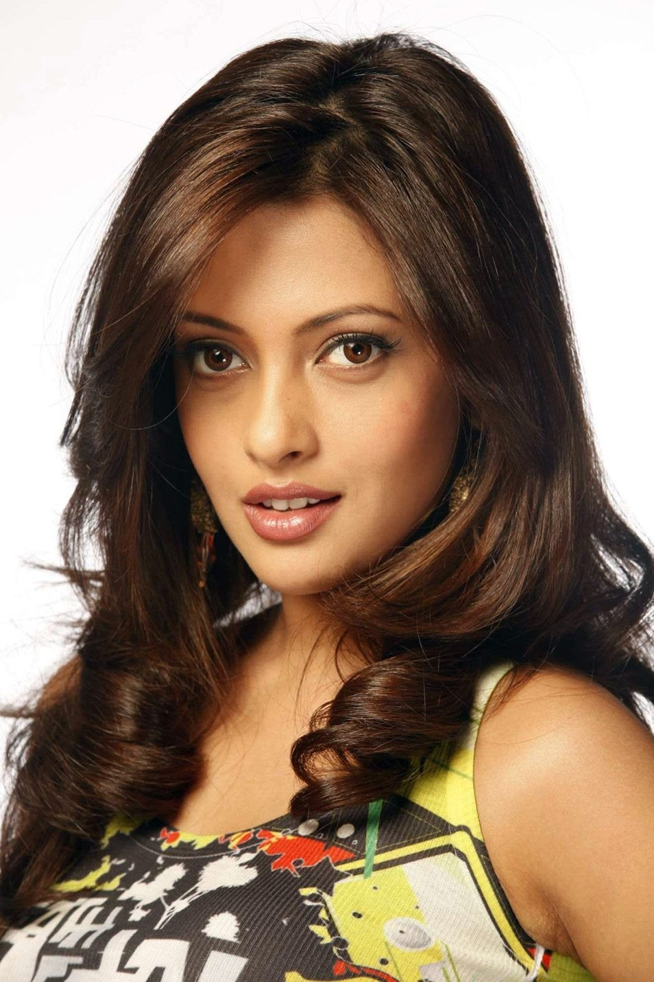 Riya sen  IMAGES, GIF, ANIMATED GIF, WALLPAPER, STICKER FOR WHATSAPP & FACEBOOK