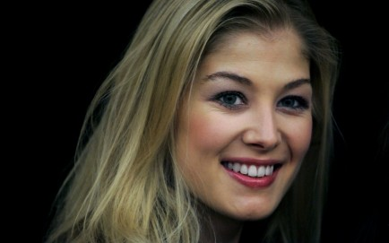 Rosamund Pike Mar