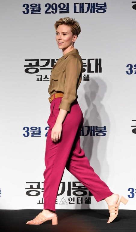 Scarlett Johansson At The Ghost In The Shell Seoul Press Conference Scarlett Johansson