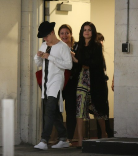 Justin Bieber Selena Gomez Go For Movie After Dinner And Justin Bieber