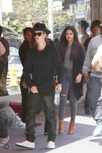 Justin Bieber Selena Gomez Shopping And Justin Bieber