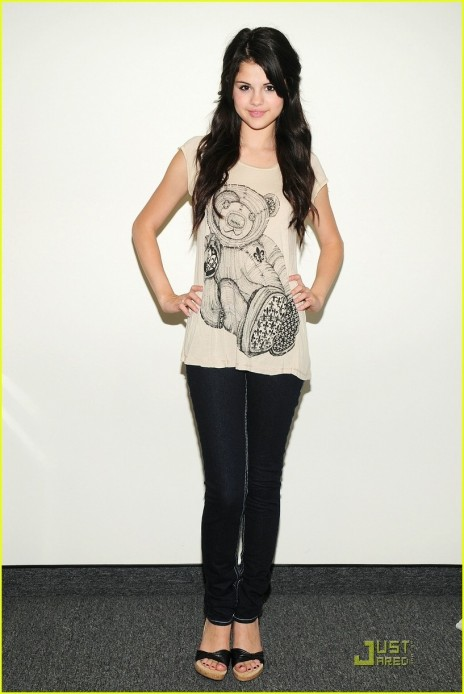 Selena Gomez Fashion Style Dress Casual Fashion