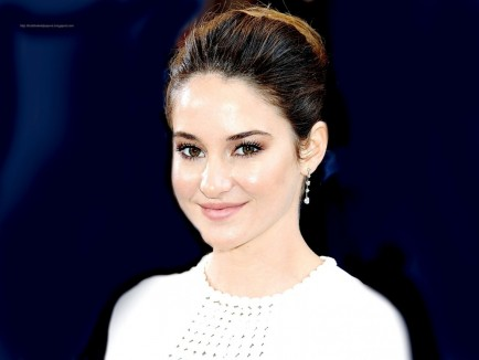 Shailene Woodley Hollywood Wallpapers Wallpaper Shailene Woodley