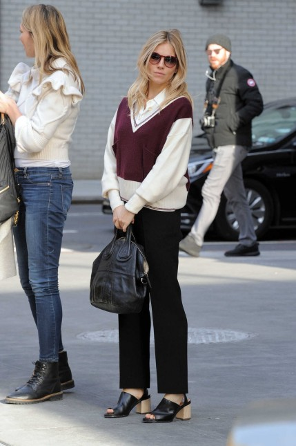 Sienna Miller Was Seen Out In Manhattan New York Sienna Miller
