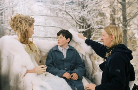 Still Of Andrew Adamson Tilda Swinton And Skandar Keynes In The Chronicles Of Narnia The Lion The Witch And The Wardrobe