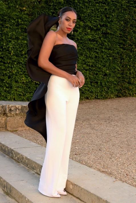 Solange Knowless Martell Cognac Th Anniversary Event Stephane Rolland Spring Couture Black Ruffled Strapless Top And White Trousers Solange Knowles