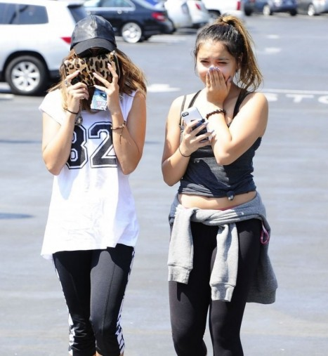 Vanessa And Stella Hudgens Shopping At Ralphs Supermarket In Studio City Instagram