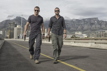 Picture Of Sullivan Stapleton And Philip Winchester In Strike Back Large Picture