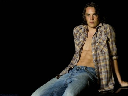 Best Taylor Kitsch Twitter Wallpaper Free Download Best Latest Hd Desktop Wallpapers Background Wide Most Popular Images In High Quality Resolutions Sofa Sectionals With Chaise Lounge Taylor Kitsch
