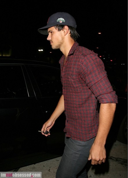 Hot Guy Of The Day Taylor Lautner