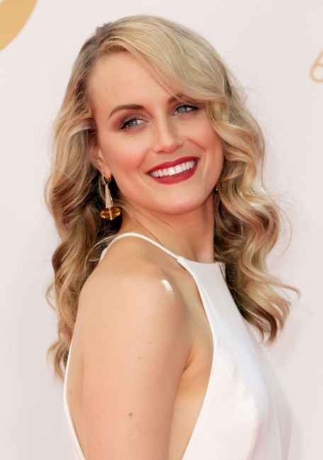 Beauty Taylor Schilling Emmys Wavy Hair Plum Eye Shadow Lipstick Main Taylor Schilling