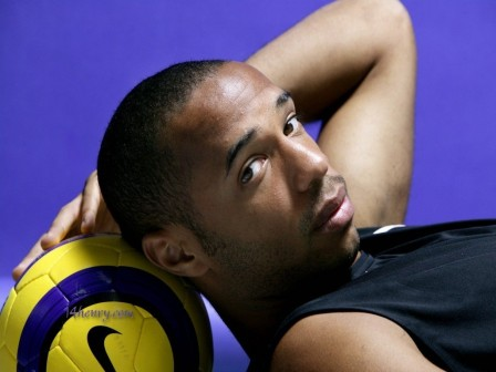 Henry Sleeping Football Federation Of France Thierry Arsenal Fc Barcelona