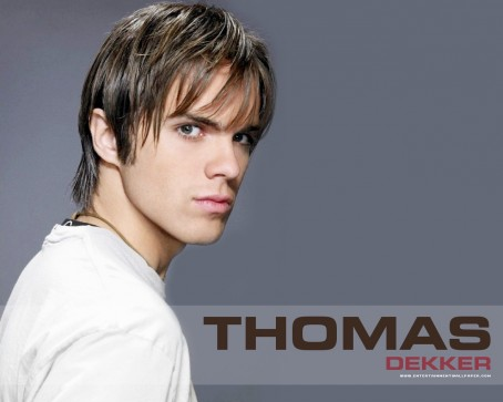 Thomas Dekker Thomas Dekker Hot