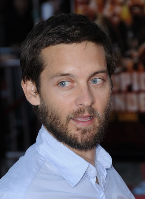 Tobey And Leo Tobey Maguire Let His Beard Grow Out Tobey Maguire