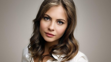 Willa Holland Wallpaper Hd Wallpapers Willa Holland